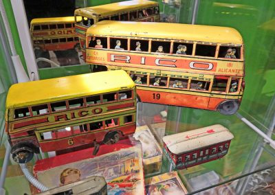 Exposición juguetes antiguos: autobús