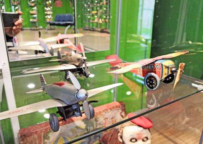 Exposición juguetes antiguos: avión