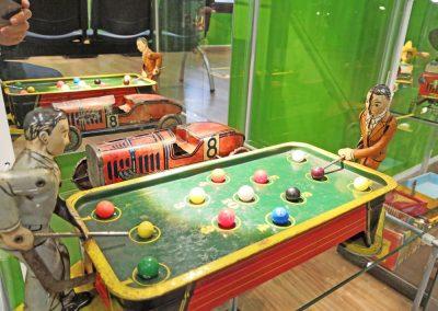 Exposición juguetes antiguos: billar