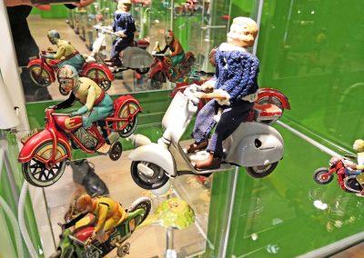 Exposición juguetes antiguos: moto