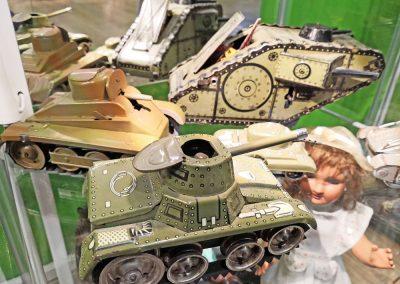 Exposición juguetes antiguos: tanque