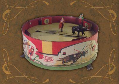 Exposición juguetes antiguos: plaza de toros